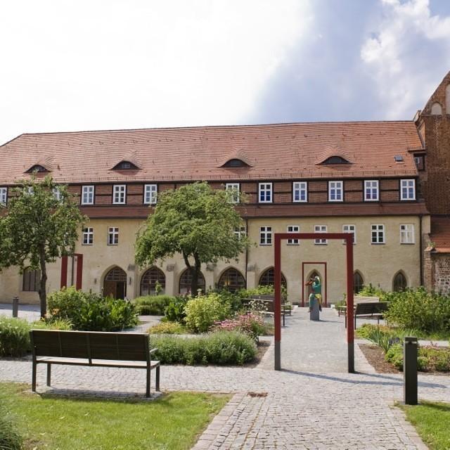 Bild eines Klosters - Klasztor dominikanów w Prenzlau