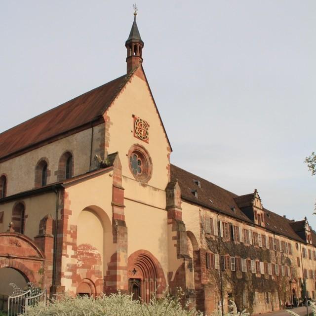 Bild eines Klosters - Klasztor cystersów w Bronnbach